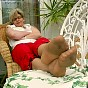 Mature Lady in tan rht pantyhose - 0252_0571.jpg