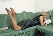 germannylonpics Girl in vintage nylons